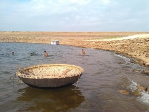 Fishing coracle with pole on Nagarjuna Sagar
